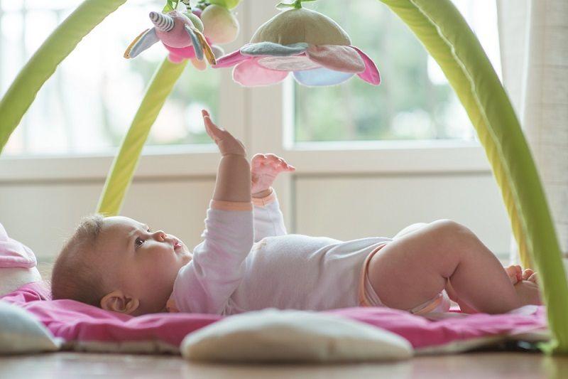 1 Yaş Bebek Oyuncakları Dönenceler