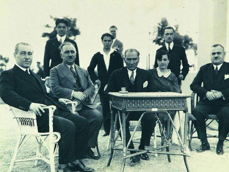 On Kasım Atatürk Gömüleceği Yer