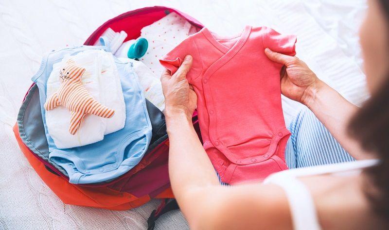 Bebek Bakım Çantası Giysiler