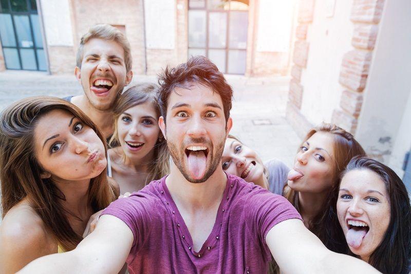 Doğru Selfie Nasıl Çekilir