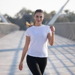 Egzersiz Kıyafetleri Sporcu Tişörtü