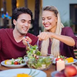 Erkek Sevgiliye Evde Yapılabilecek Hediyeler Yemek