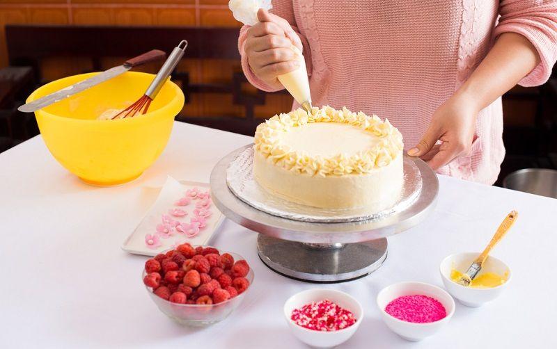 Evde Yapılabilecek Hobiler Kek Pasta Süsleme