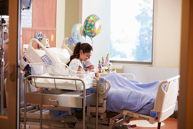 Hastane Çıkışı Anne