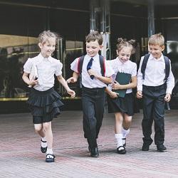 Okul Alışverişi Kıyafet