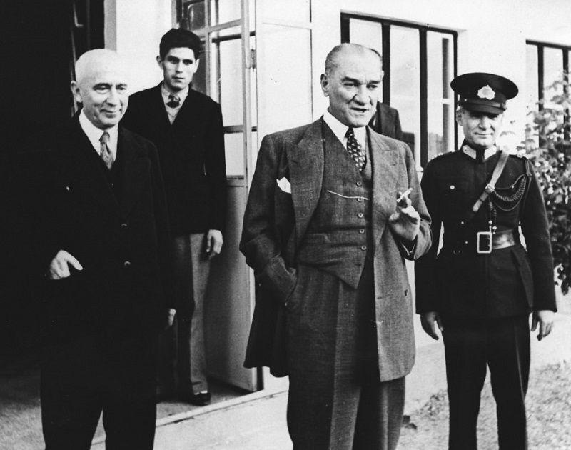 On Kasım Atatürk Kişiliği