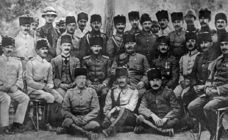 On Kasım Atatürk Savaş Anıları