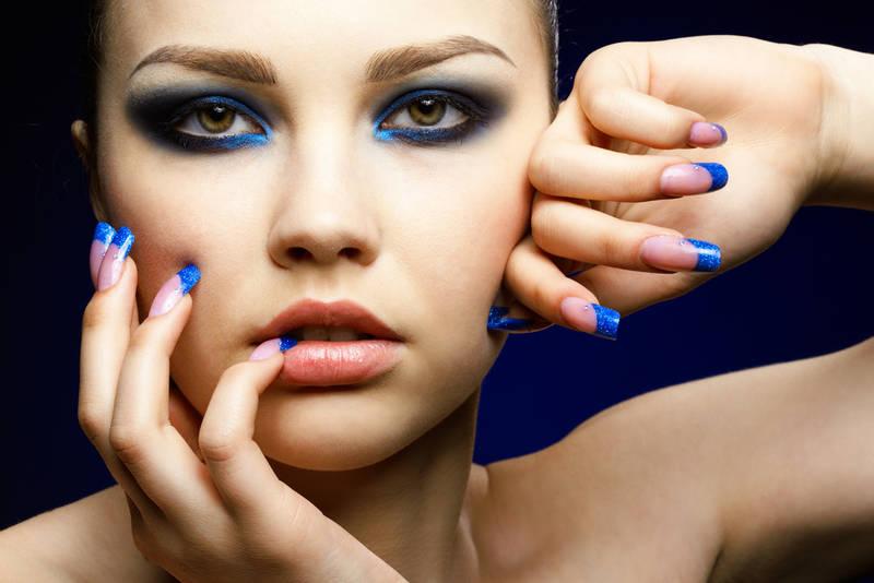 Mavi Göz Makyajı
