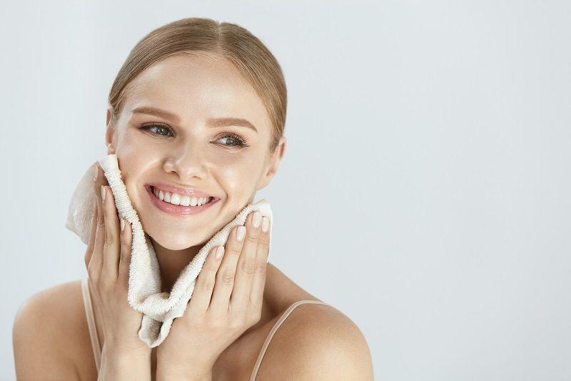 Yüz Temizleme Fırçası Kullanımı