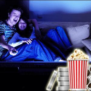 Evde sevgilimle film izleyerek