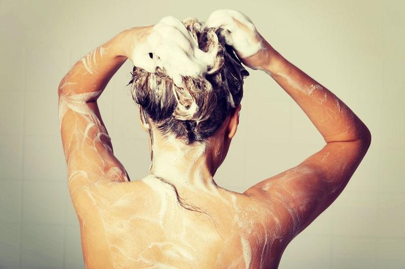 Ilık Su Soğuk Havalarda Saç Bakımı
