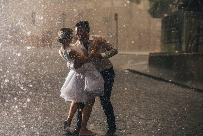 Yağmurdan Kaçmayın