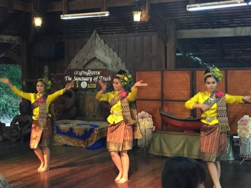 Thai dansı