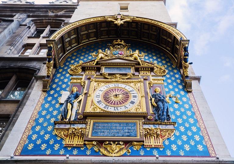 Paris Conciergerie Saat Kulesi