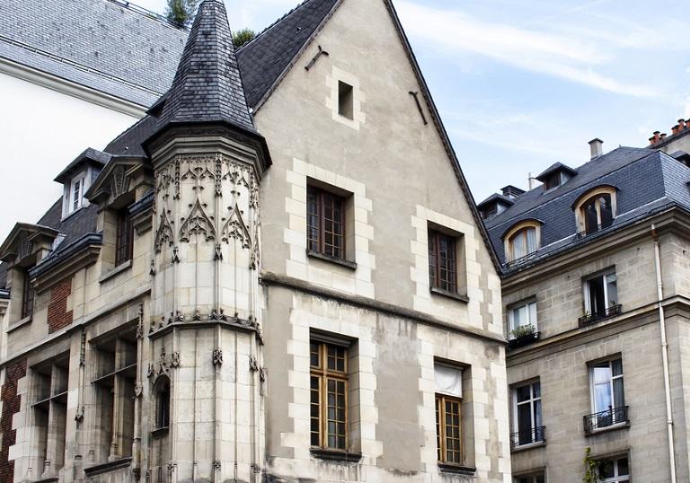 Paris Ahşap Evler