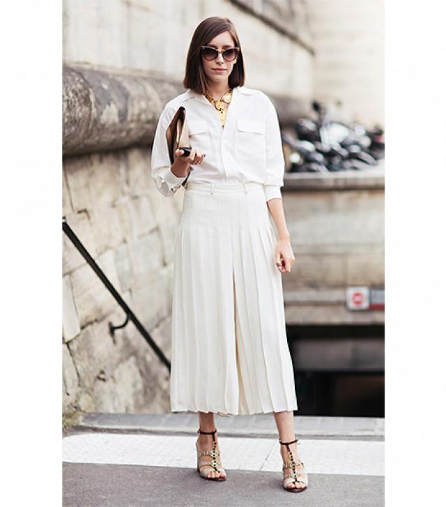 Beyaz Gömlek Kombini Bol Paça Pantolon