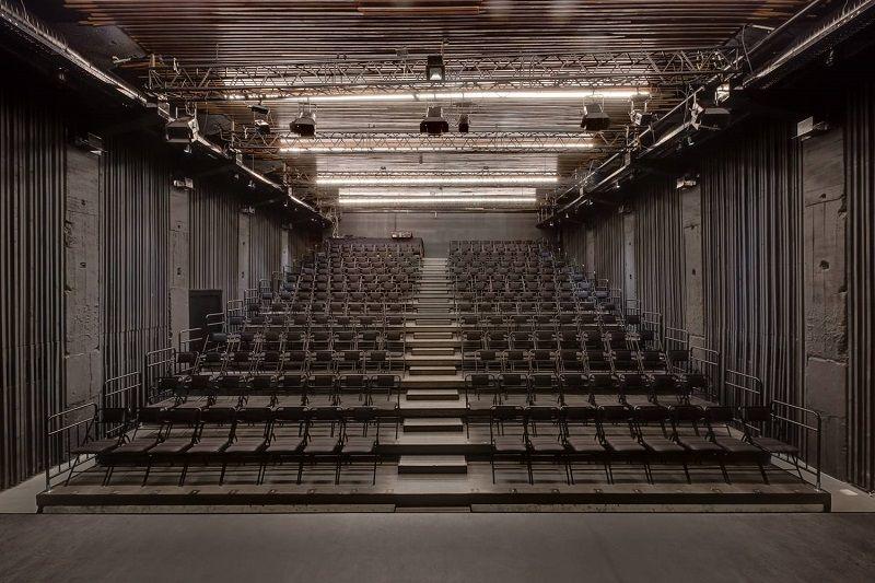 En İyi Tiyatro Sahneleri İstanbul Moda Sahnesi