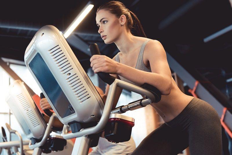 Göbek Eritme Hareketleri Eliptik Bisiklet