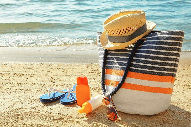 Plaj Çantasında Olması Gerekenler