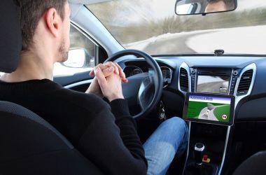 Sürücüsüz Araba