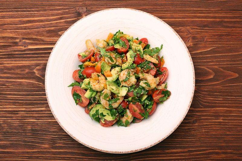 Avokadolu Karides Salatası