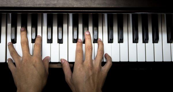 Piyano Nasıl Çalınır