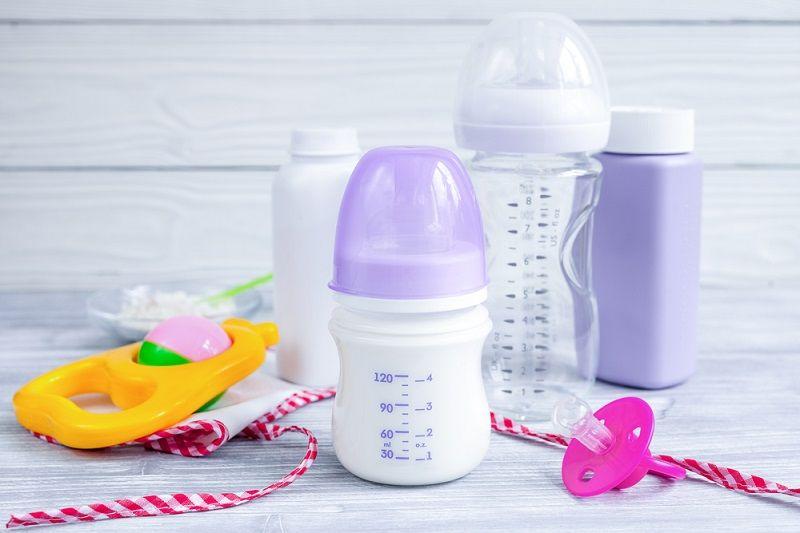 Bebeklere Mama Nasıl Verilir